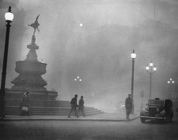 Piccadilly_Circus_in_Pea-Soup